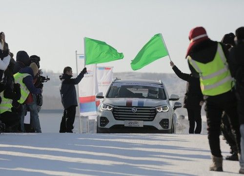 2019中國量產(chan)車性能大(da)賽鏖戰冰雪