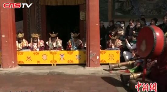 内蒙古席力图召举行清明法会 迄今已传承四百多年