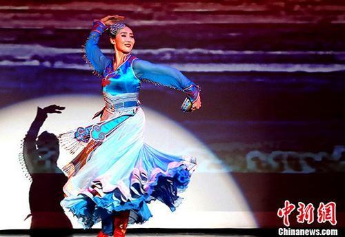 美国休斯敦上演内蒙古文艺盛宴欢乐过春节