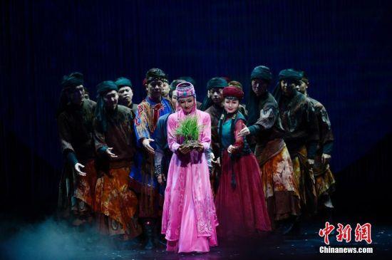 保护环境主题舞剧《库布其》亮相内蒙古