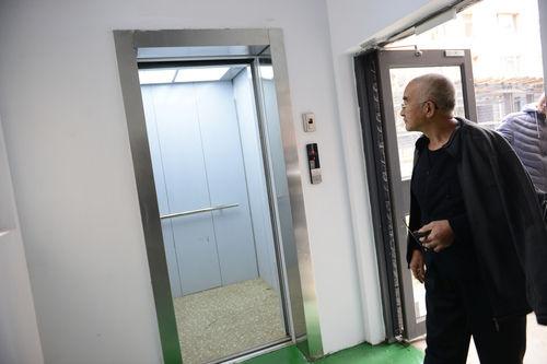 呼和浩特试点老旧居民楼加装电梯