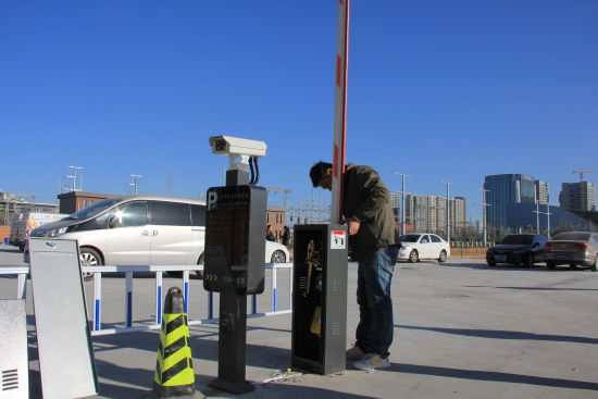呼和浩特万达新增大型停车场 可停放708辆车