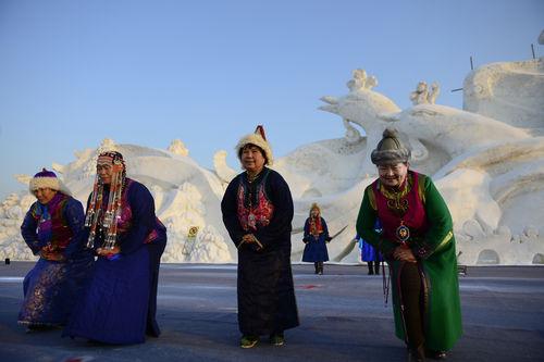 内蒙古旗县的冰雪节
