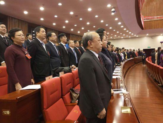 政协内蒙古第十二届第一次会议闭幕 6天提案920件